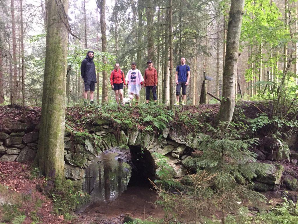 Alte Bogenbrücke über den Fuchsbach